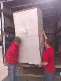 Грузчики Переезда 24 упакуют мебель перед транспортировкой. Качество и аккуратность переноса.